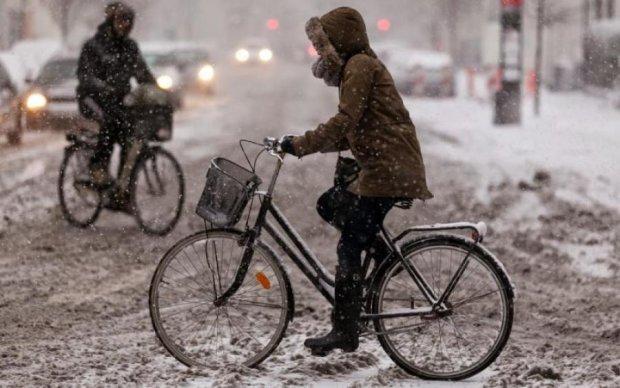 На велосипеді в -40: дивак продемонстрував нордичний характер