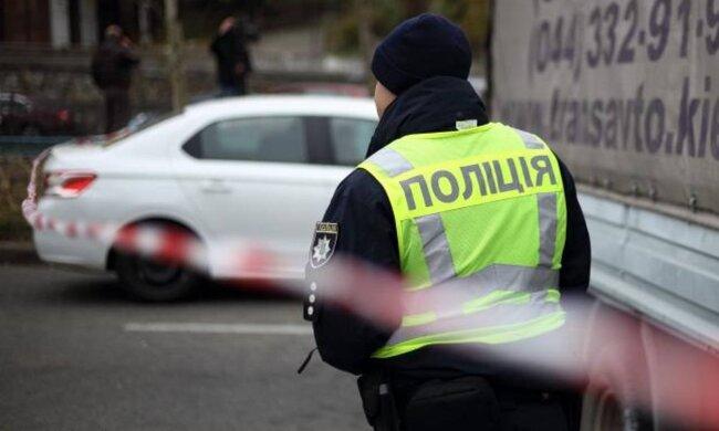Зніс на узбіччі: на Івано-Франківщині мікроатобус влетів у жінку, не встигла навіть зойкнути