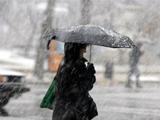 Завтра в Украину придет мокрый снег