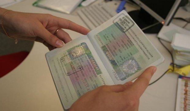 Українці за півроку отримали в два рази більше польських віз
