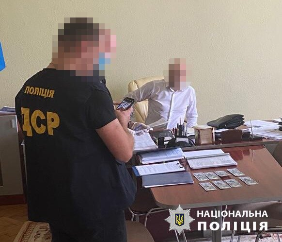 На Буковині дружок губернатора Осачука прогорів на мерзенній схемі - кожен папірець за гроші