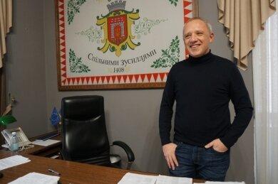 Мэр Кличук поставит черновчан на лыжи: чтобы не шастали по подьездах