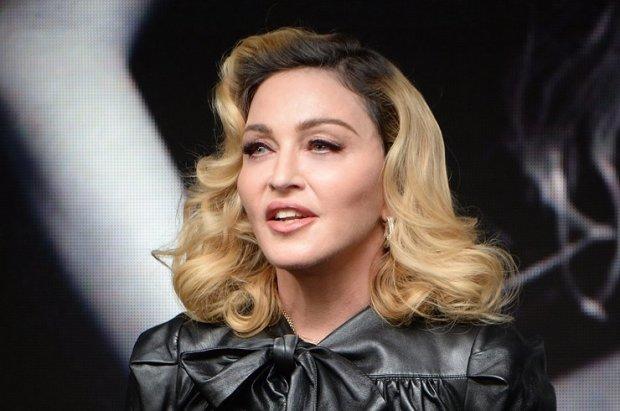 """Мадонна стала жертвой пластики: фанаты потешаются над ее новым """"бампером"""""""