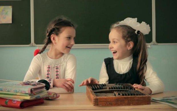 У мережі показали, як білоруським дітям промивають мізки