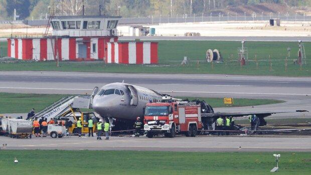 Шереметьево превратился в ловушку для сотен пассажиров: столкновения было не избежать, подробности ЧП