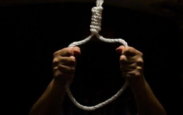 Хвиля самогубств: ще один підліток наклав на себе руки