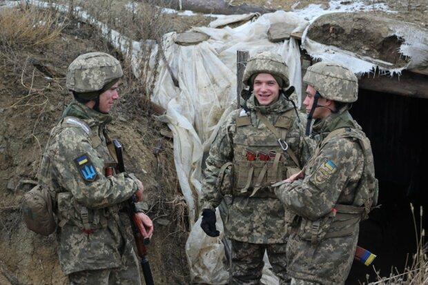 """Три брата бок о бок защищают Украину на Донбассе: """"На войне стали родными не только по крови"""""""