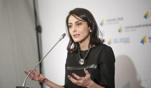Деканоїдзе пообіцяла особисто розслідувати погрози у бік Лещенка