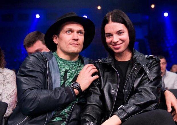 """Дружина Усика зробила боксеру приємно після перемоги над Візерспуном: """"Не жінка, а мрія"""""""