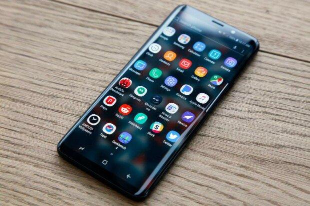 Перше відео зі справжнім Galaxy S10 з'явилося у мережі