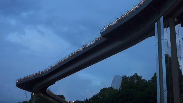"""""""Міст Кличка"""" закрили: що знову трапилося з об'єктом за 400 мільйонів"""