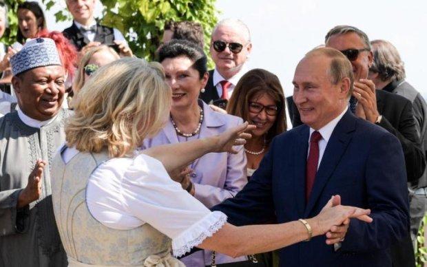 Поставив на коліна: весільні танці Путіна відгукнулися страшним конфліктом