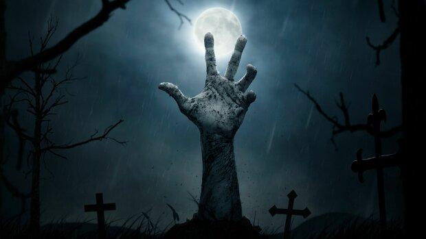 """Тягостная церемония прощания с любимым родственником обернулась мистическим воскресением: """"Оно зашевелилось..."""""""