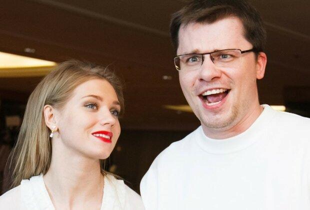 """Після скандалу Асмус з Харламовим показали ідеальний сімейний знімок: """"Перший..."""""""