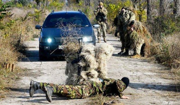 Курсанти Одеської Військової академії вдосконалюють навички в польових умовах (фото)