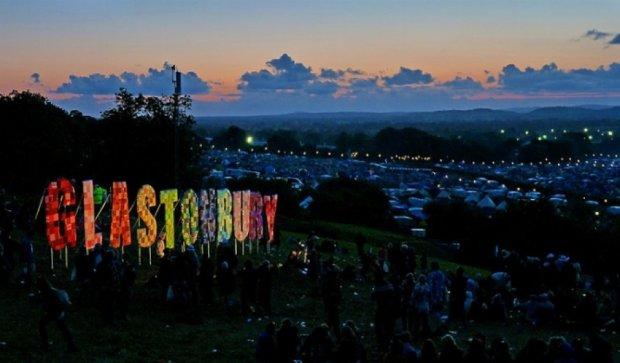 На рок-фестиваль в Гластонбері приїде Далай-лама