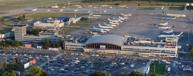 12 часов ада: сотни пассажиров стали заложниками в столичном аэропорту