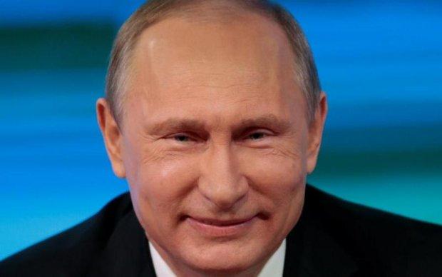 Соцмережі вразив контраст між Путіним і Макроном