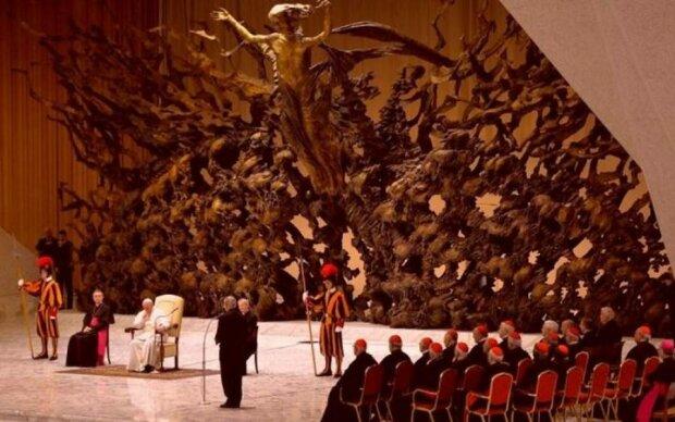Слід Сатани: кому насправді служить Ватикан