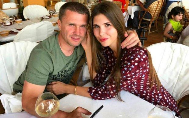 Ребров знімає стрес після розставання з Динамо на відпочинку в Іспанії