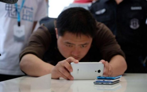 """Meizu 15 Plus: характеристики и фото """"особого"""" смартфона к 15-летию компании"""