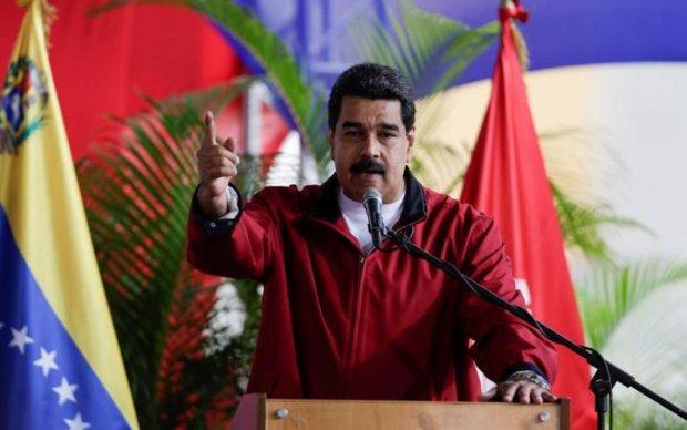 У Венесуелі здійснили замах на президента: перші подробиці та відео