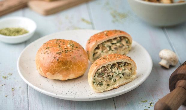 Готуємо пиріжки з грибами: покроковий рецепт