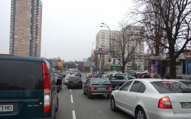 Змінюємо маршрути: київські вулиці закриють для транспорту