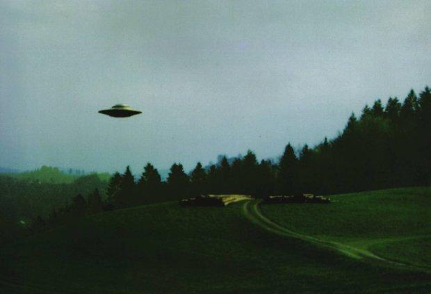 Пояснити нереально: моторошний НЛО увірвався до землян прямо з пекла, все підтверджує відео