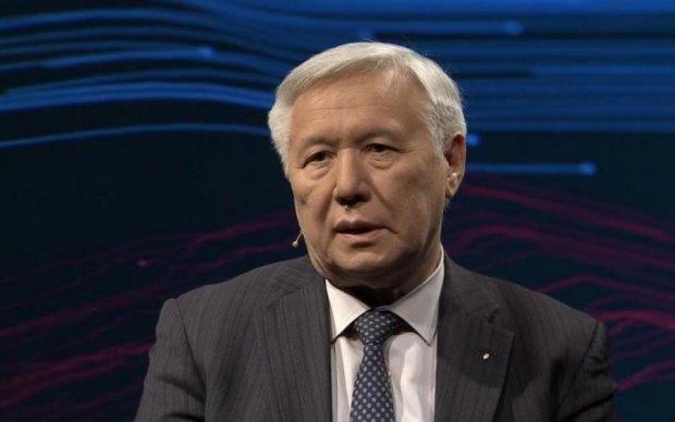 Смерти Чечетова и Семенюк-Самсоненко: бывший премьер шокировал заявлением