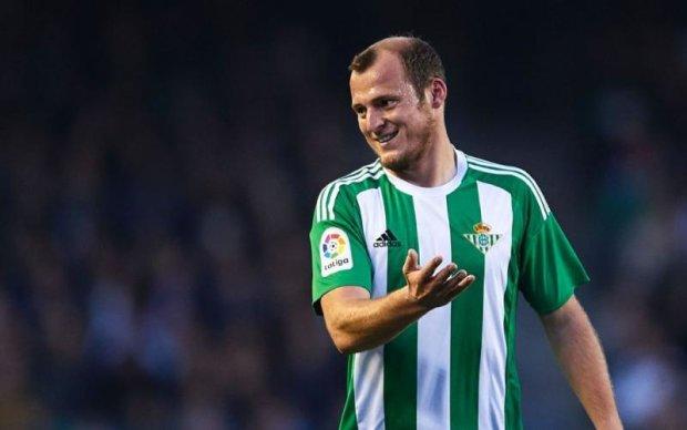 Испанский клуб хочет избавиться от украинского футболиста-патриота