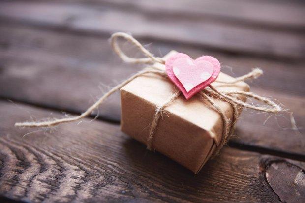 Що подарувати хлопцеві на День святого Валентина 2019: оригінальні ідеї