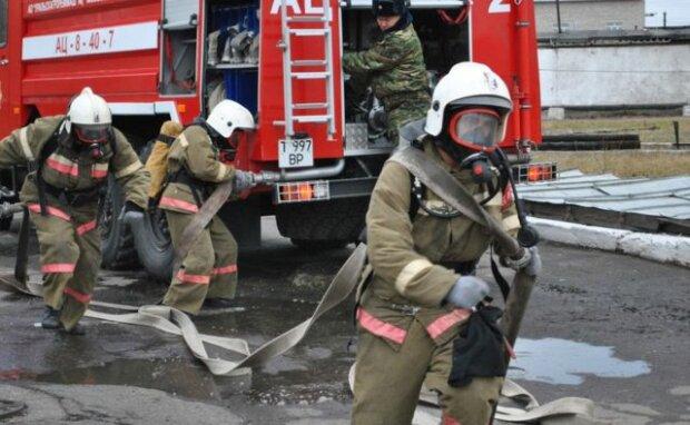 В Киеве подожгли детский сад: жизни малышей оказались под угрозой, - спасатели неслись со всех ног