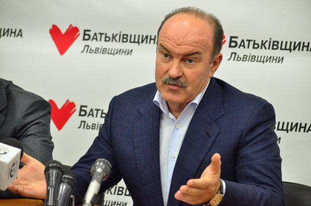 """""""Батьківщину"""" поповнив скандальний губернатор і прибічник Януковича"""