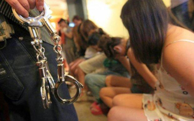 Насилие и рабский труд: знаменитую актрису обвинили в торговле людьми
