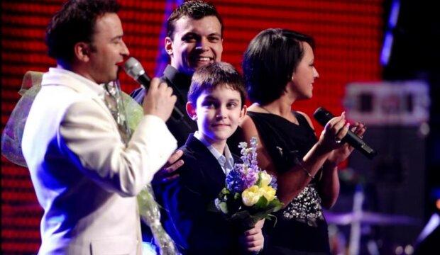 Виктор Павлик с детьми, фото: скриншот из видео