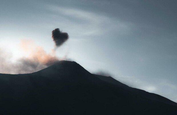 Вулкан Етна \\ фото Twitter