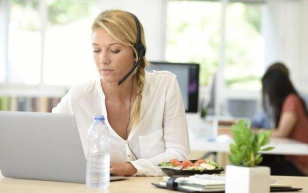 Робота в офісі: як харчуватися, щоб не заробити гастрит