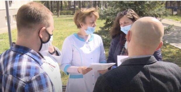 Помощь от Виктора Медведчука и Оксаны Марченко, фото: пресс-служба ОПЗЖ