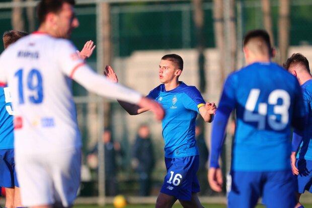 Динамо неуверенно вернулось в чемпионскую борьбу с Шахтером, Вербич спас на последней минуте