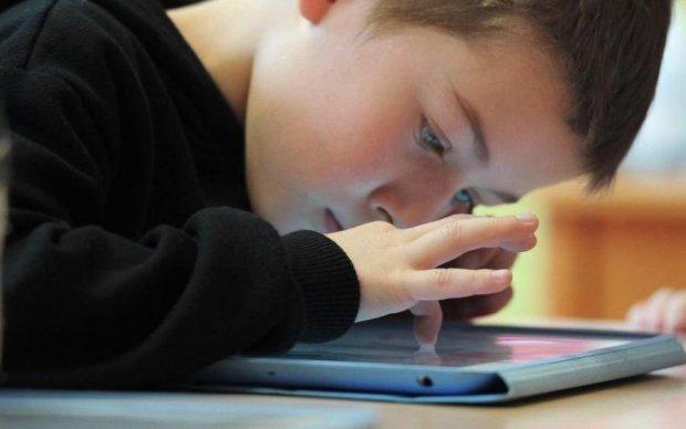 Шпарина для збоченця: діти стали жертвами маніяка через онлайн-гру