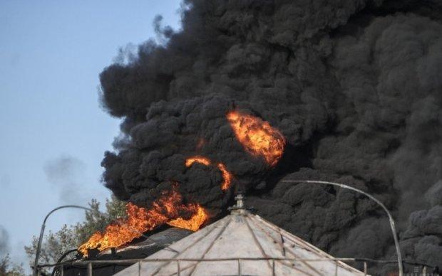 На Киевской нефтебазе прогремел взрыв