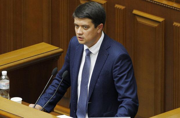 """Разумков збирається """"перекроїти"""" бюджет-2020: що не так з документом"""