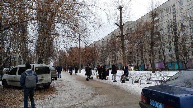 В Харькове школьница выпала с 9 этажа: версия про самоубийство - под вопросом