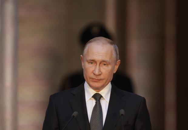 Путін оскандалився неймовірно маразматичним фейком про Майдан: Янукович не міг, це все грузини