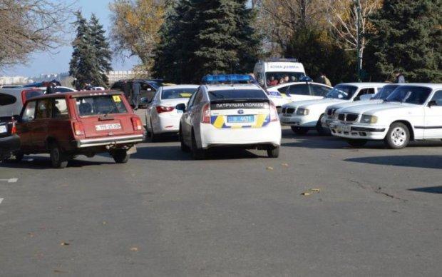 У Миколаєві смертельно п'яний водій пішов на таран маршрутки колеги: фото