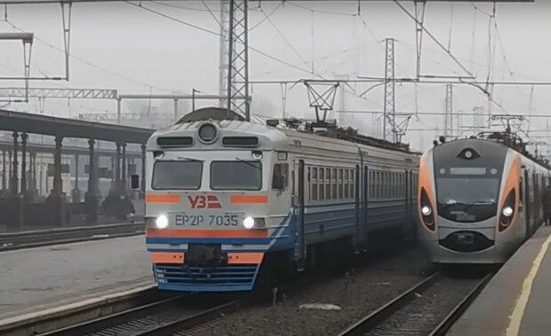 электричка, скриншот из видео