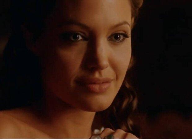 Анджеліна Джолі / кадр з фільму