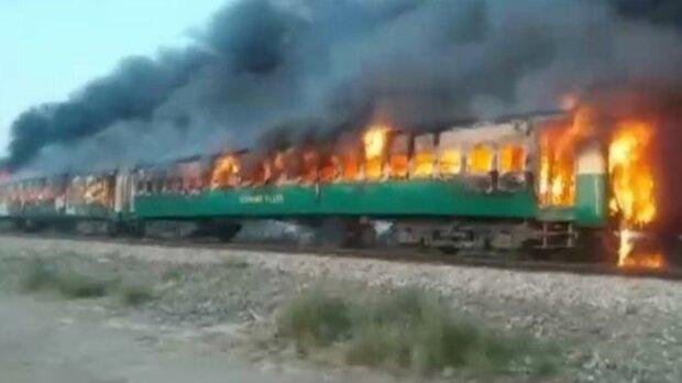 Найгірша катастрофа десятиліття: понад 70 людей згоріли живцем у поїзді через звичайний сніданок
