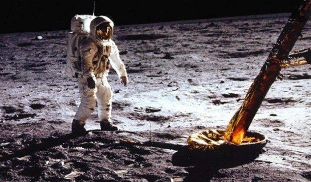 Американці 46 років тому висадилися на Місяць (фото)